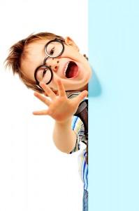 copil ochelari