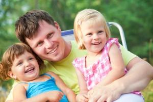 tata cu fetele