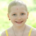 Mykayla fetita bolnava de cancer