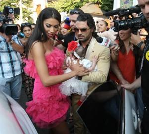 Pepe si Raluca, dupa crestinarea fetitei lor