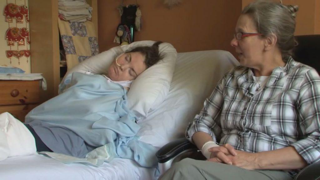 A facut rujeola la 11 luni si s-a vindecat rapid. 24 de ani mai tarziu, virusul a revenit