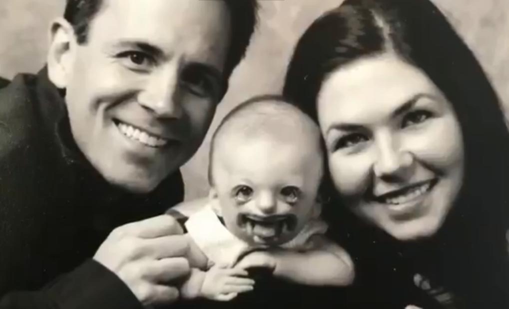 A aflat ca cineva folosea poza copilului ei pentru a promova avorturile 02