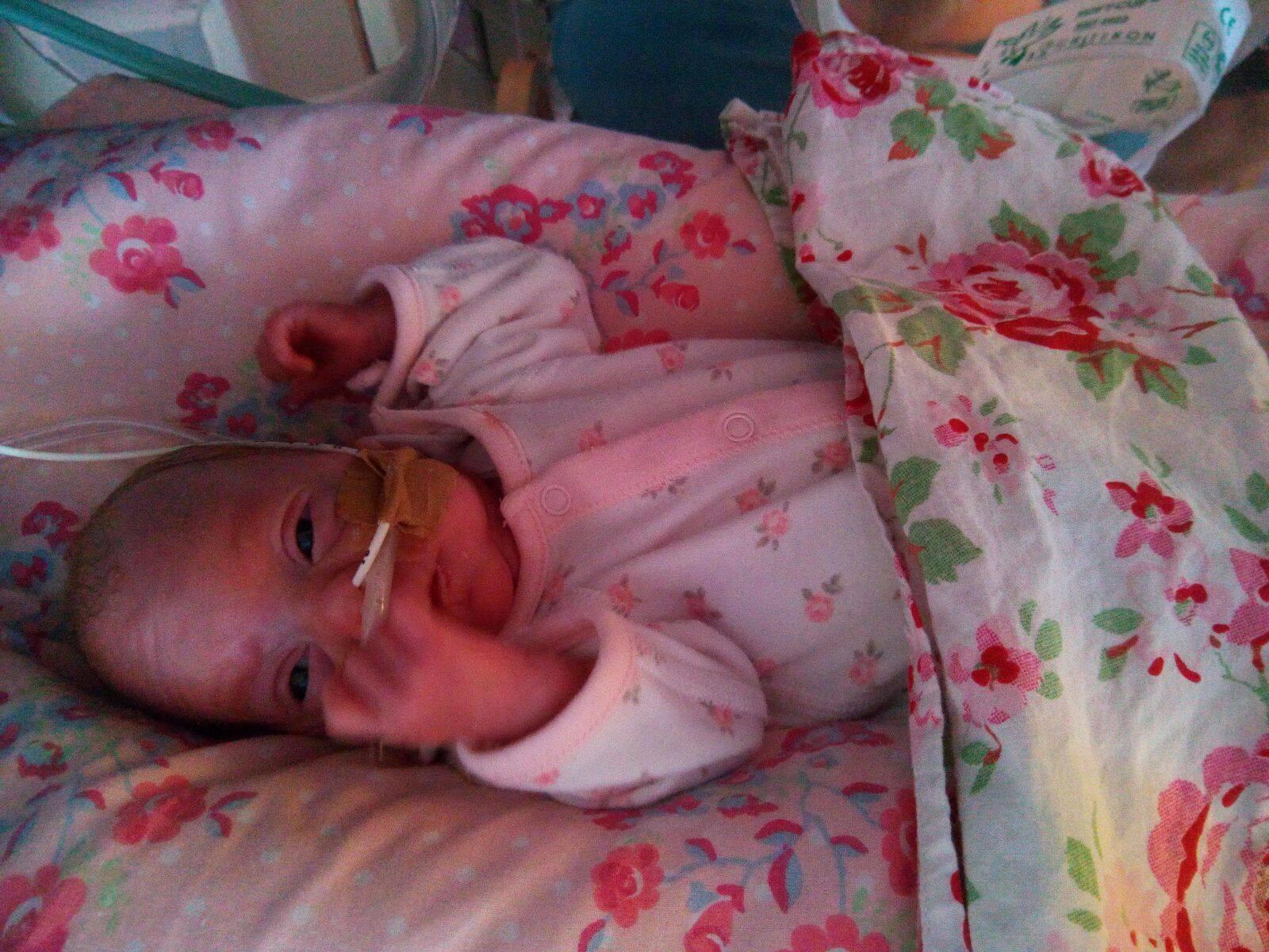 Fetita nascuta cu o zi inainte de data limita pana la care se pot face avorturi 2