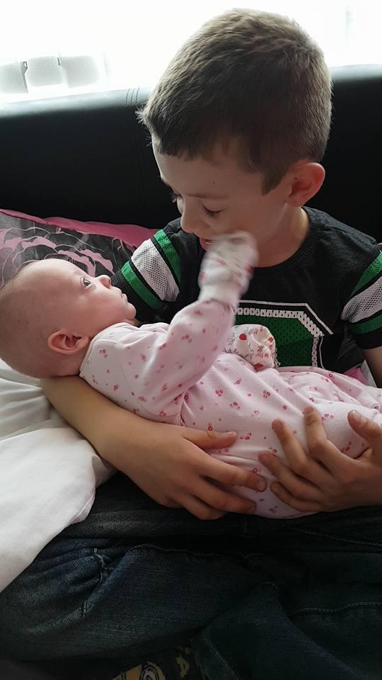 Fetita nascuta cu o zi inainte de data limita pana la care se pot face avorturi 3
