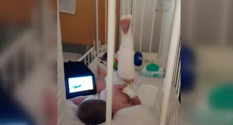 Un copil a fost batut crunt de o ingrijitoare la gradinita