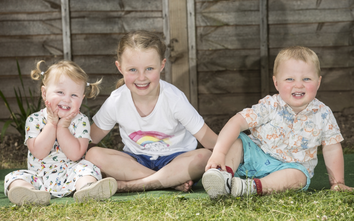 Tripleti nascuti la 4 ani distanta 2