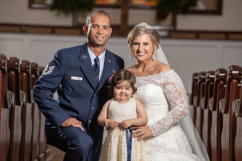 A supravietuit cancerului si a devenit domnisoara de onoare la nunta celei care i-a salvat viata 4
