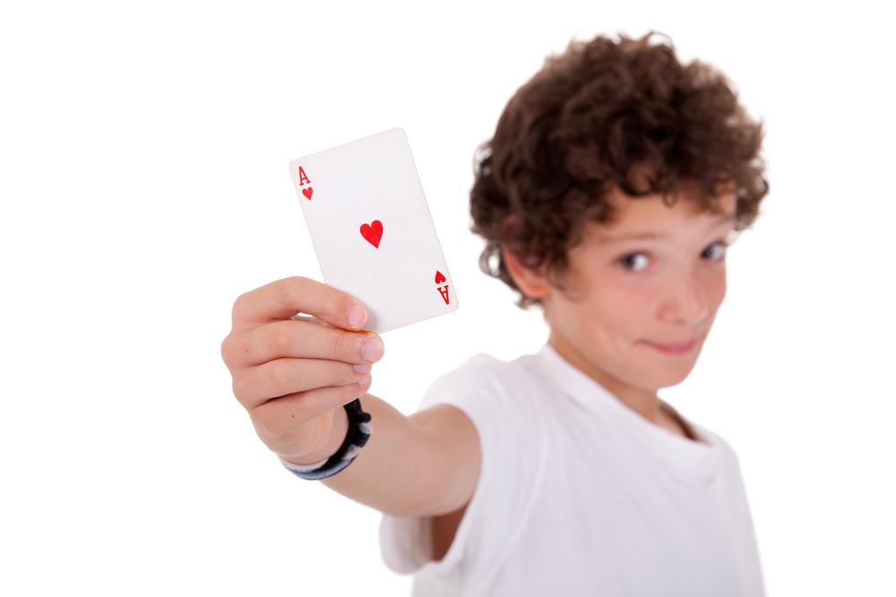 Jocuri cu cărți - Cum se joacă killer predă-te